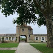 Un des bâtiments du château