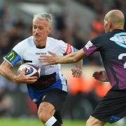 Deschamps s'essaie au rugby