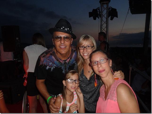 Jean Roch avec Emelyne, Stella et Maëlle